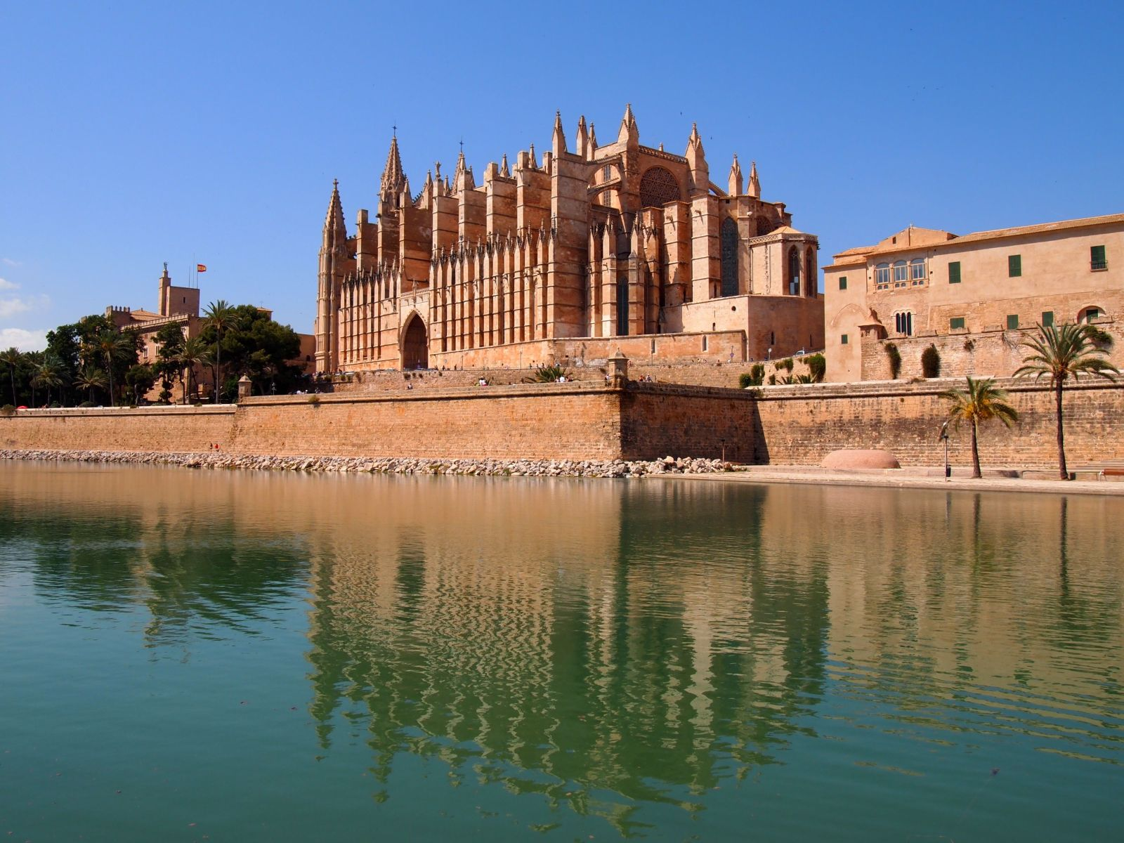 Club MAC Alcudia image of Palma Cathedral